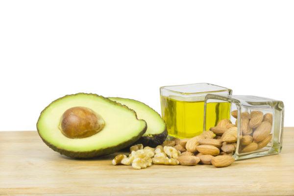 avokado og nøtter